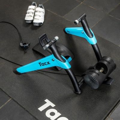 Тренируйтесь в помещении в любую погоду с велотренажёром Tacx Boost